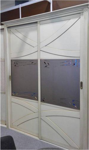 Классический шкаф купе с эксклюзивным декором Подольск