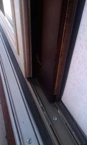 Двери массив на нижней направляющей Подольск