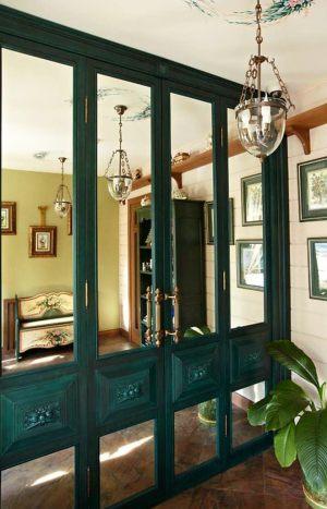 Распашные двери филенкой и декоративными накладками Подольск
